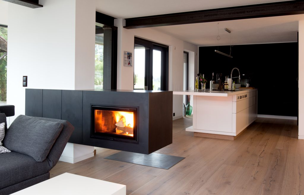 ▷ Kamin in Küche | kiimoto Speicherkamine