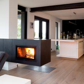 kamine als raumteiler raumteiler gemauert kaminofen gunstig kaminafen hamburg kamine online. Black Bedroom Furniture Sets. Home Design Ideas
